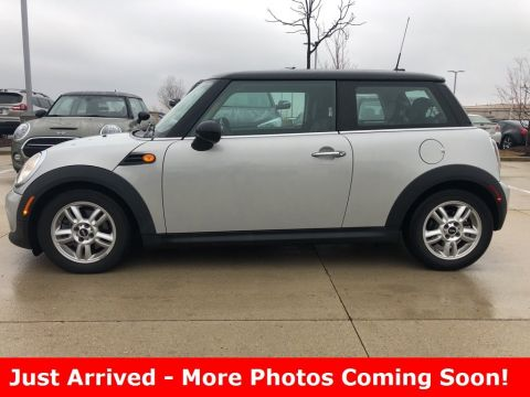 Pre-Owned 2013 MINI Hardtop 2 Door Cooper